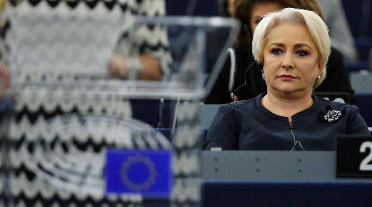 La primera ministra rumana, Viorica Dancila, en una sesión del Parlamento Europeo en Estrasburgo.