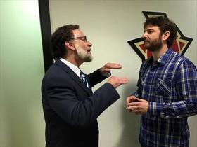 Queco Novell, de Mariano Rajoy, con Gorka Otxoa, en Un vasco en Polonia.