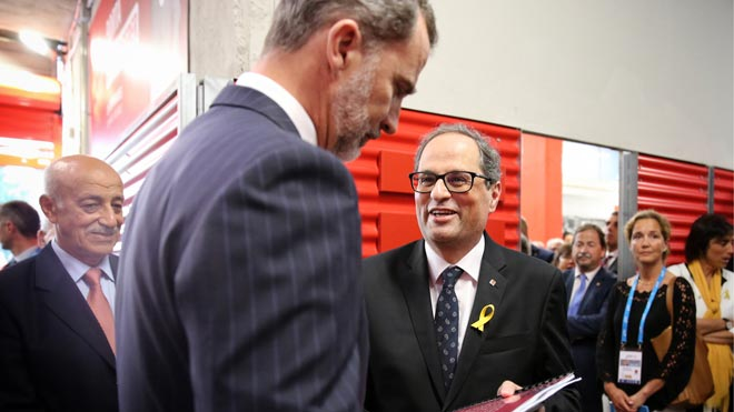 El president de la Generalitat le ha regalado a Felipe VI un libro sobre la actuación policial en Catalunya el 1 de octubre.