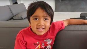 Ryan Kaji, de 8 años, en uno de sus últimos vídeos.