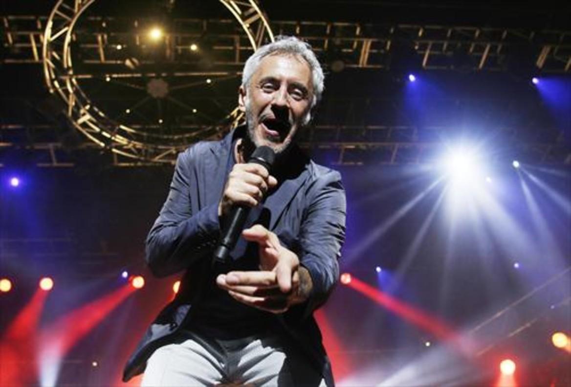 Sergio Dalma, durante su actuación de anoche en Calella de Palafrugell.