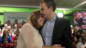 Susana Díaz abraza a Rodríguez Zapatero en un acto en Jaén, en 2016.