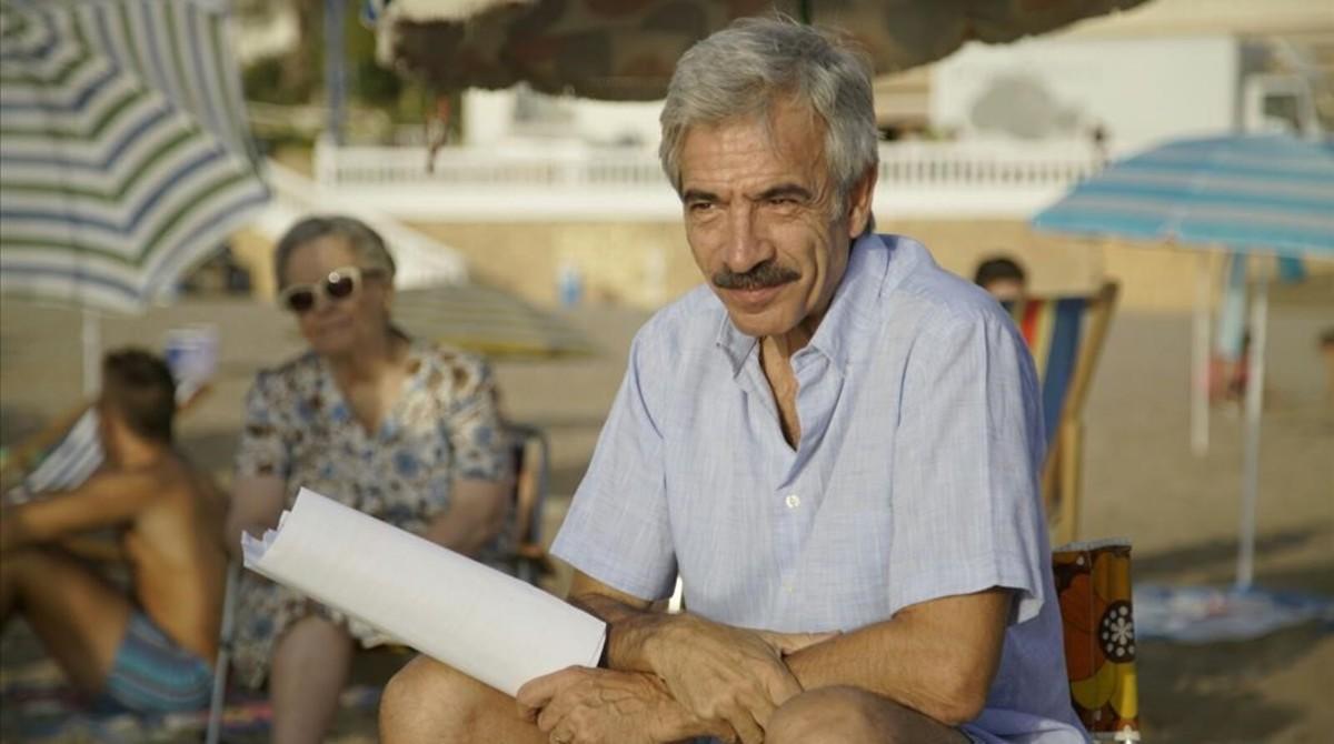 Imanol Arias, durante el rodaje de 'Cuéntame...', en Benidorm.
