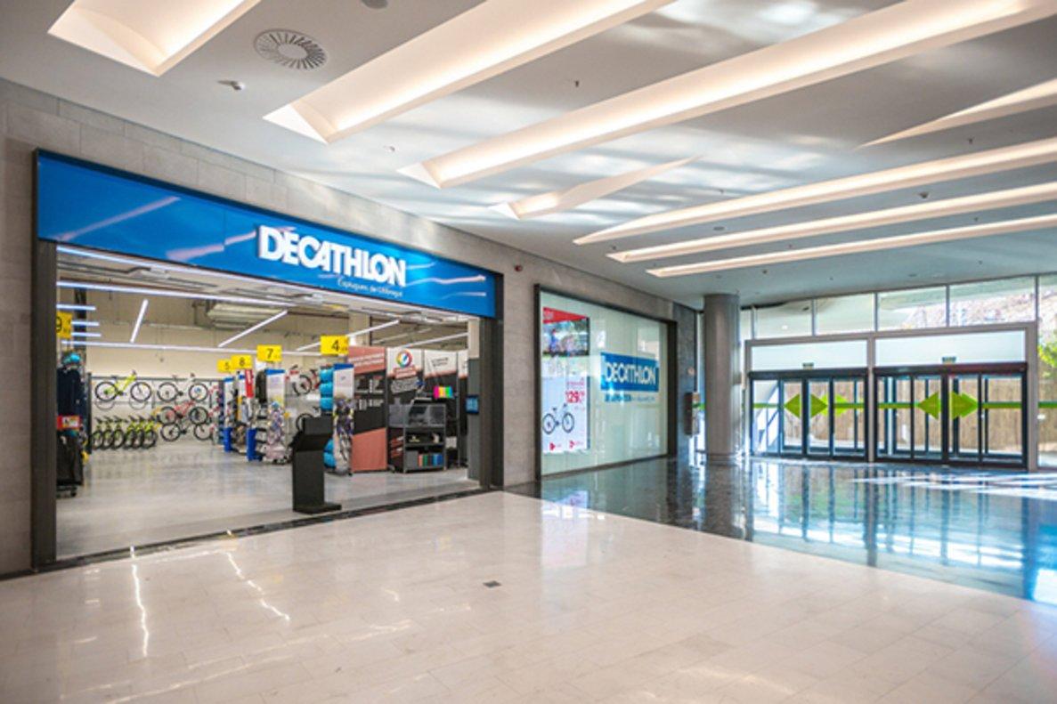 Tienda Decathlon en Esplugues.
