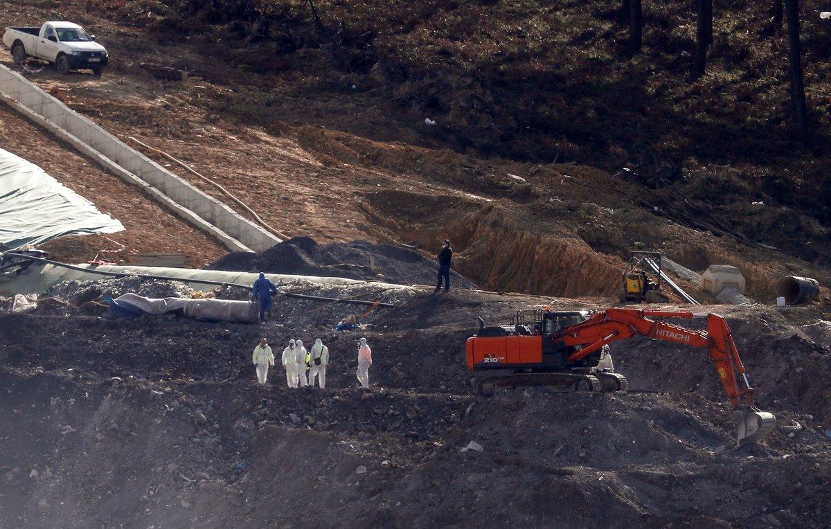 Trabajos para hallar a los trabajadores sepultados en el vertedero de Zaldibar.