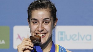 Carolina Marin, con su medalla de oro europea.