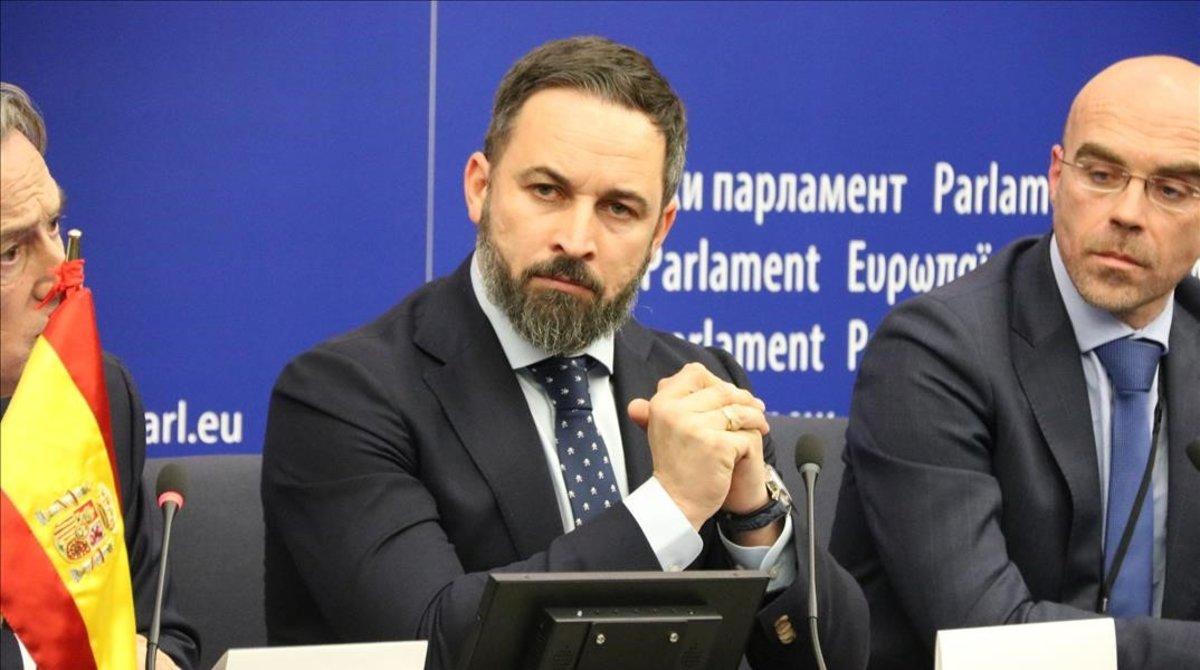El líder de Vox, Santiago Abascal, en rueda de prensa en Estrasburgo