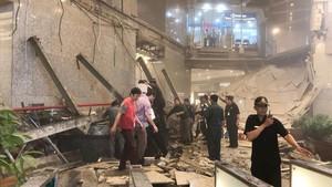 El vestíbulo de la Bolsa de Yakarta, tras el hundimiento.