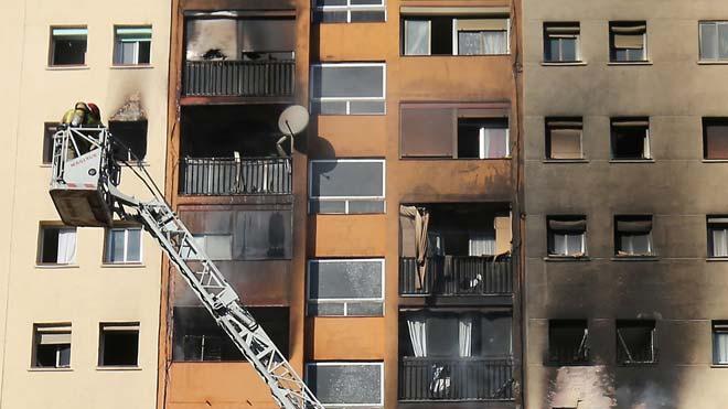 Diversos veïns van intentar escapar-se de les flames des de les finestres