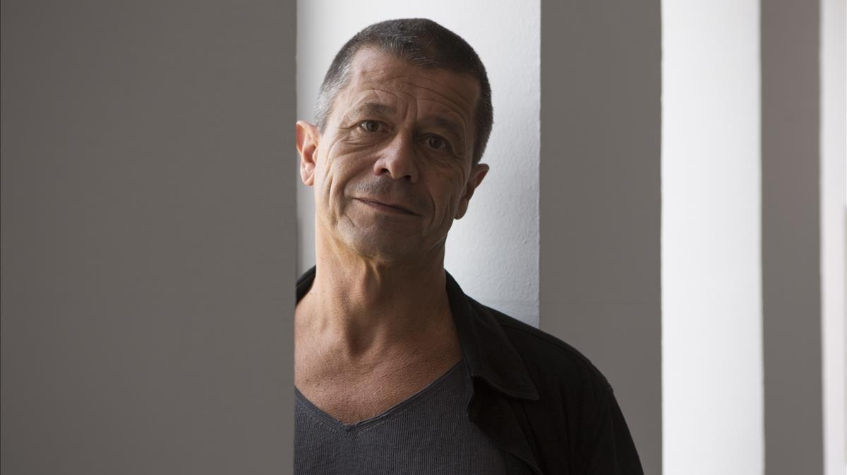 El escritor y director de cine francésEmmanuel Carrère.