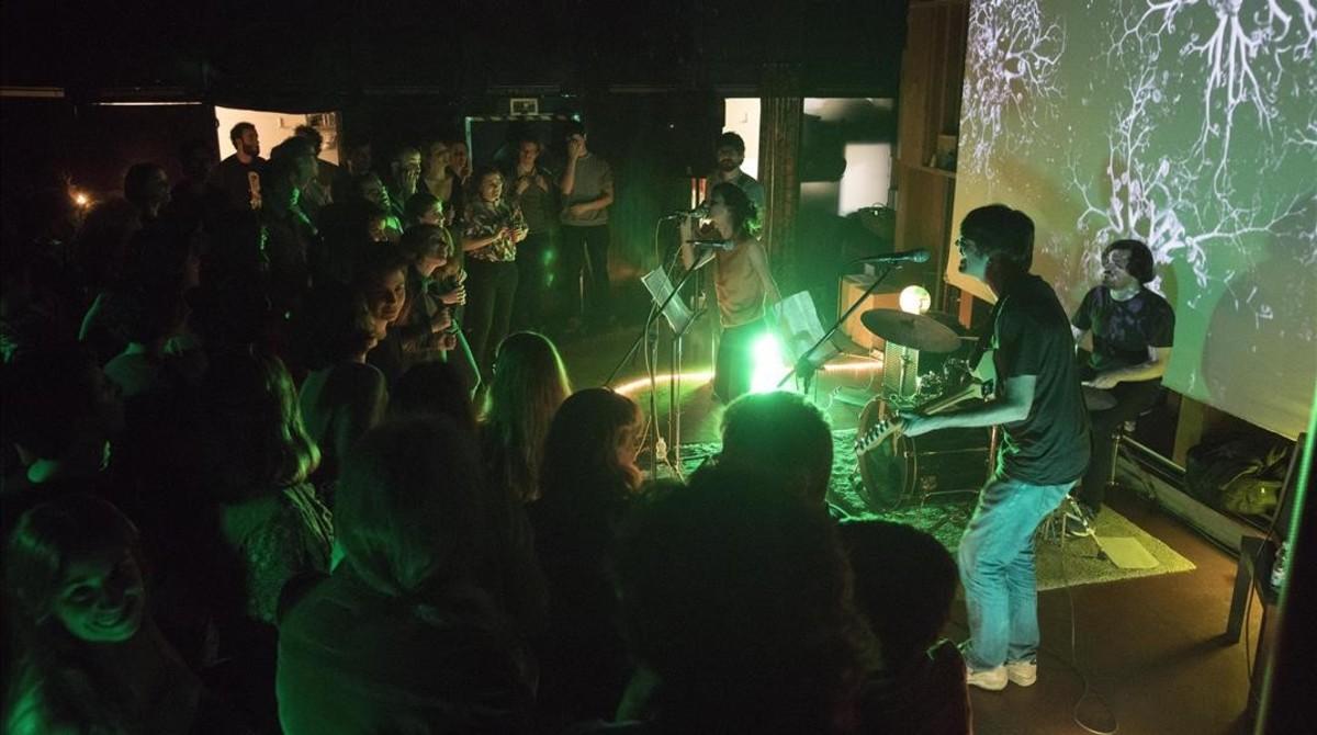 Actuación de El Pèsol Feréstec, en El Pumarejo.