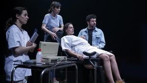 Una gossa en un descampat, dirigida por Clàudia Cedóen la Sala Beckett, ha sido uno de los espectáculos más vistos con más de un 84% de aforo.