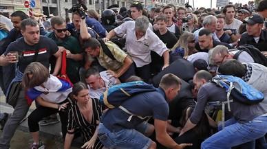 Milers d'opositors surten al carrer a Rússia contra l'increment de l'edat de jubilació