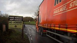 L'acord sobre el 'brexit' no resol els dubtes a Irlanda del Nord