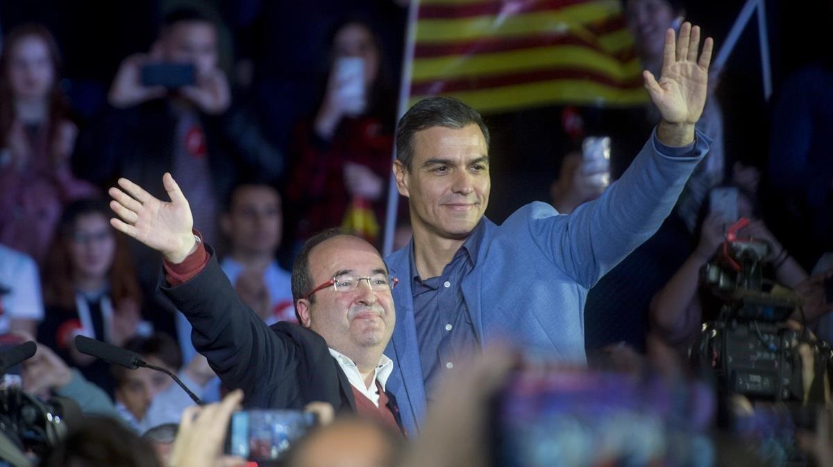 Sánchez tanca a Barcelona la campanya més catalana