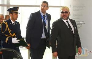 Mohamed VI (derecha) en la última cumbre africana de Adís Abeba.
