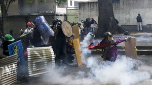 mbenach38259368 demonstrators clash with security forces during an oppositio170501214937
