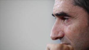 marcosl41035491 barcelona s coach ernesto valverde from spain attends a pres171121185525
