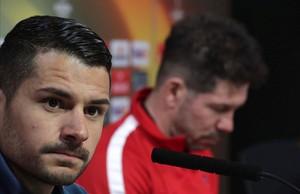Vitolo y Simeone durante la rueda de prensa que dieron el miércoles