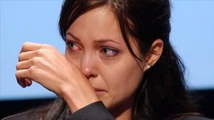 """Angelina Jolie: """"Es mejor llorar en la ducha que delante de mis hijos"""""""