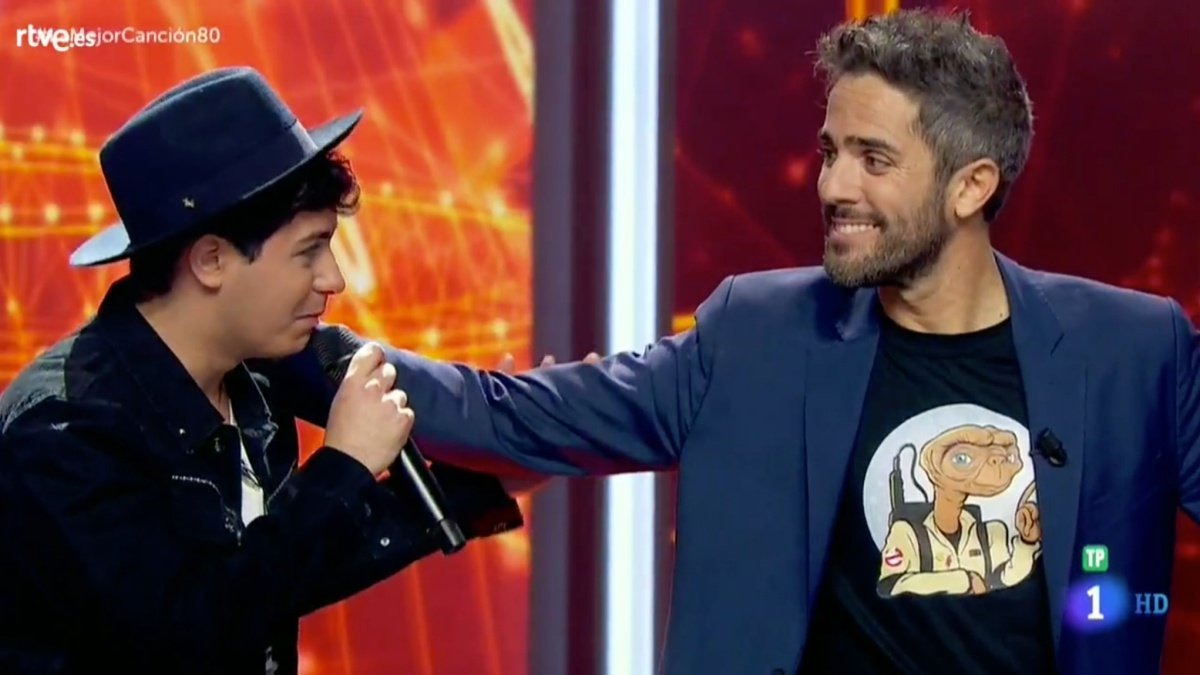 Alfred y Roberto Leal en La mejor canción jamás cantada.