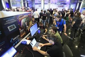 Ambiente en el Gamelab.