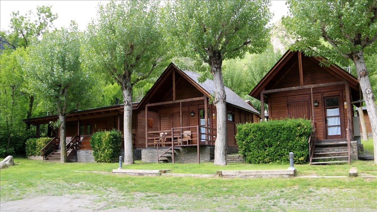 Bungalows en un camping de La Guingueta d'Àneu.