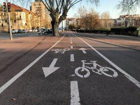 Carril bici en Badalona, cerca de Ca l'Arnús.