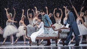 Un momento de El Cascanueces interpretado por la Compañía Nacional de Danza (CDN).