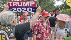 Seguidores de Trump hacen cola para participar en el inicio decampaña del presidente estadounidense en Florida.
