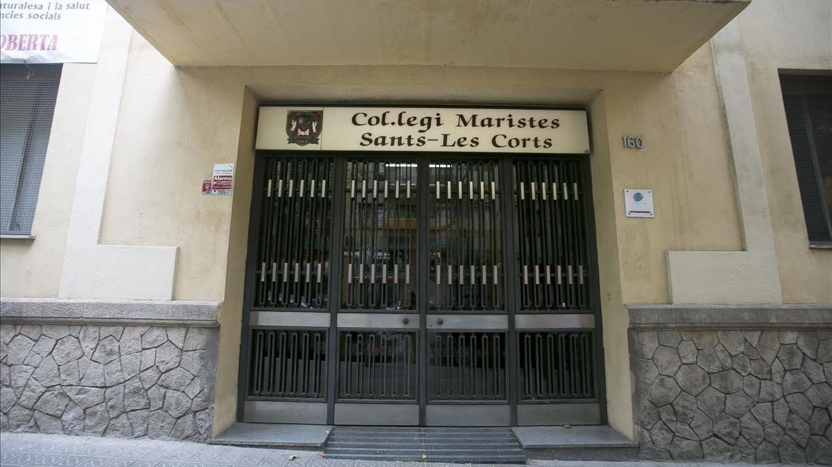 Entrada a la escuela de los Maristas en el distrito de Les Corts