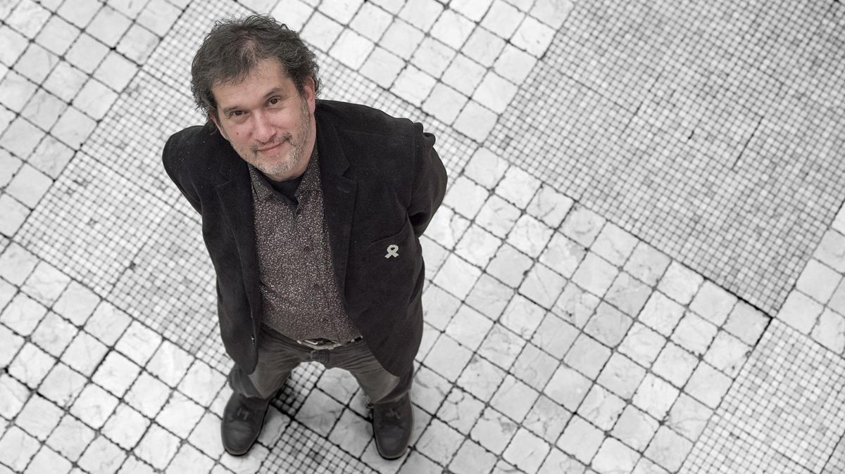 El escritor Joan-Lluís Lluís, en Barcelona.