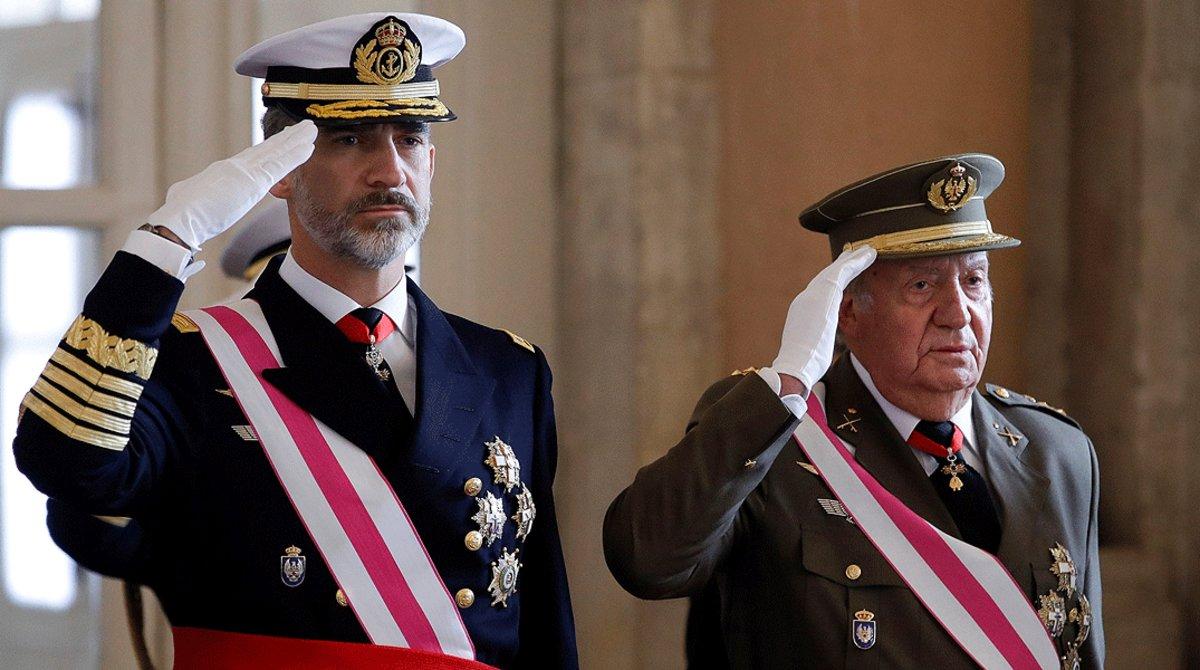 Felipe VI y Juan Carlos I, enla celebración de la Pascua Militar en el Palacio Real en el 2018.