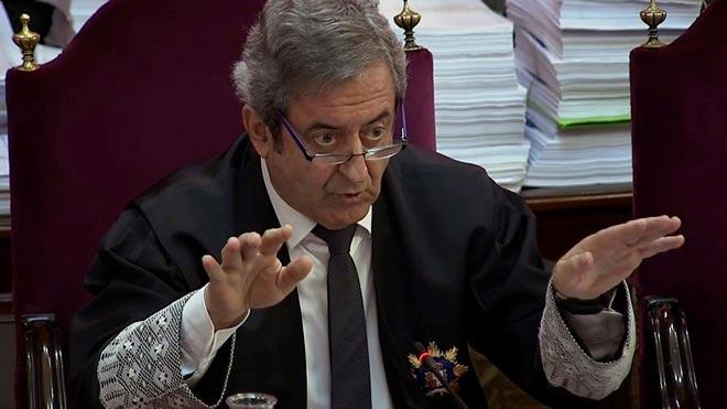 La Fiscalía acusa a los lideres independentistas de intentar liquidar la Constitución. En la foto, el fiscal Javier Zaragoza.