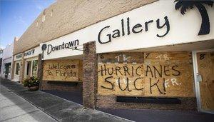 L'huracà 'Dorian' obliga a tancar aeroports, trens i escoles a Florida