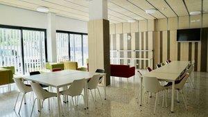 Imagen de una zona común en el nuevo alojamiento para personas sin hogar en Barcelona.