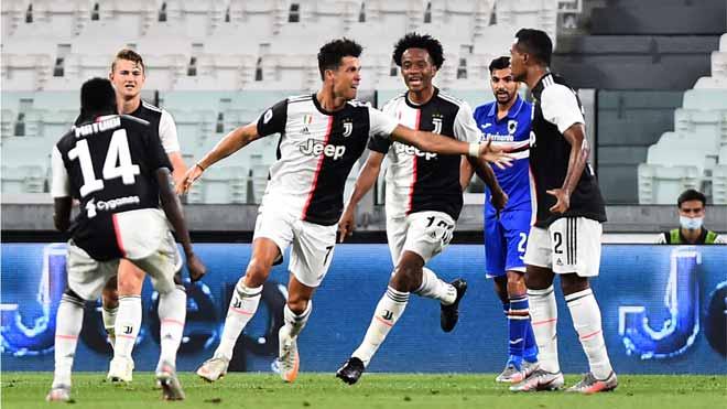 La Juventus, campeona de Italia por novena vez seguida. En la foto,Cristiano Ronaldo celebra el 1-0 que encarrilaba el alirón ante el Sampdoria.