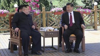 """El presidente chino recibe por segunda vez """" en secreto"""" al líder norcoreano"""
