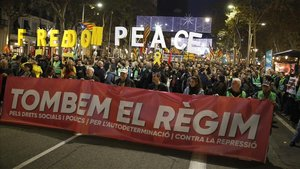 Cabecera de la manifestación de ANC contra el Consejo de Ministros de hoy 21 en Barcelona.