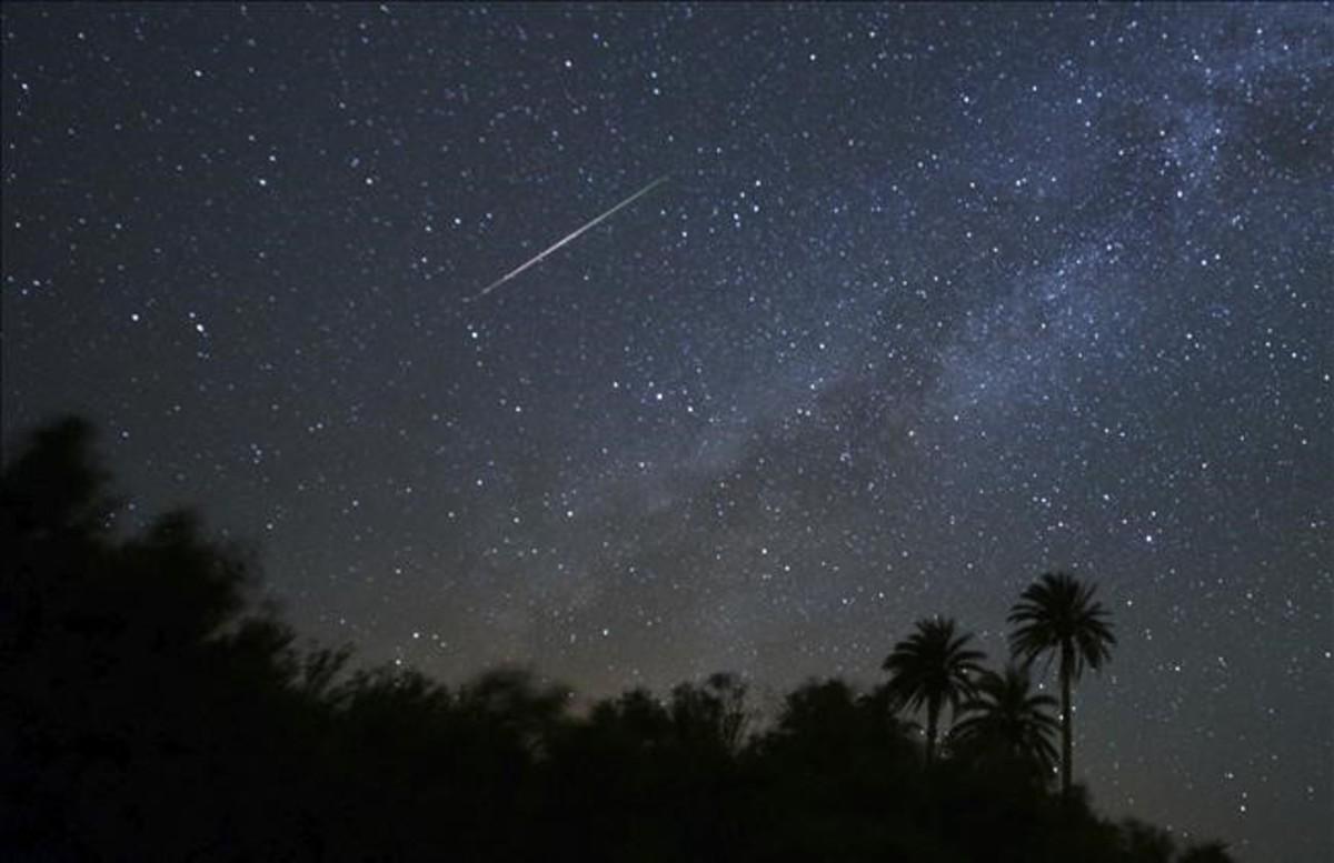 La lluvia de estrellas está causada por la entrada en la atmósfera de los restos de un cometa