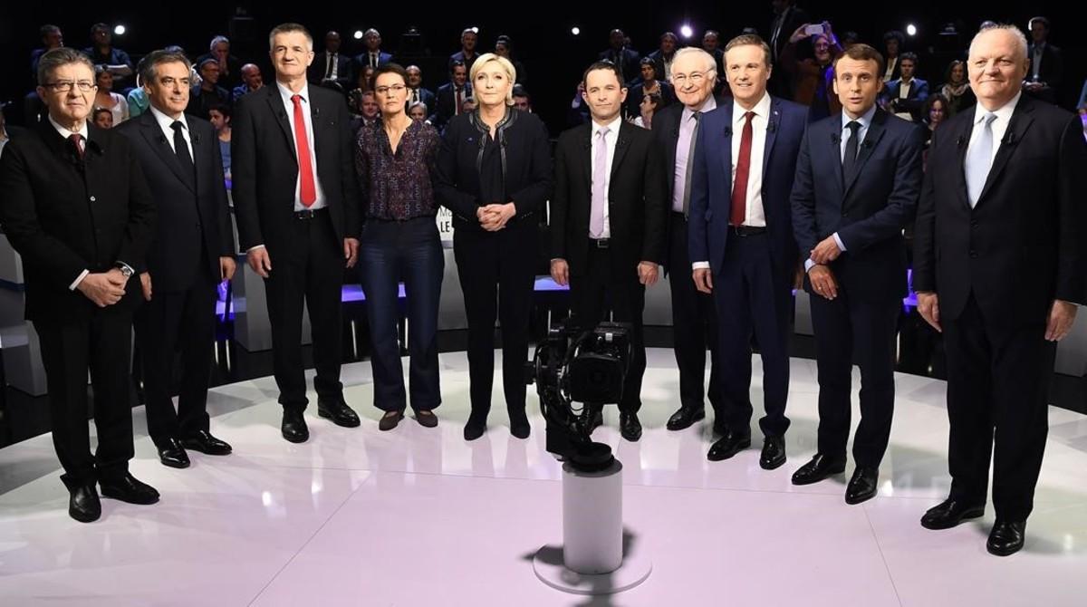 Los once candidatos a las presidenciales francesas en el debate televisado.
