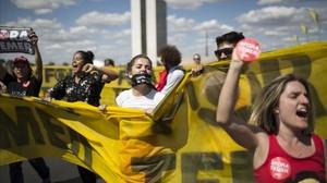 Manifestantes en apoyo a Rousseff en Brasilia.