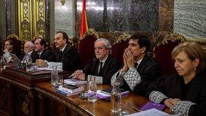 El tribunal del juicio del procés: de izquierda a derecha,Andrés Palomo, Luciano Varela, Andrés Martínez Arrieta, el presidente Manuel Marchena, Juan Ramón Berdugo,Antonio del Moral y Ana Ferrer.
