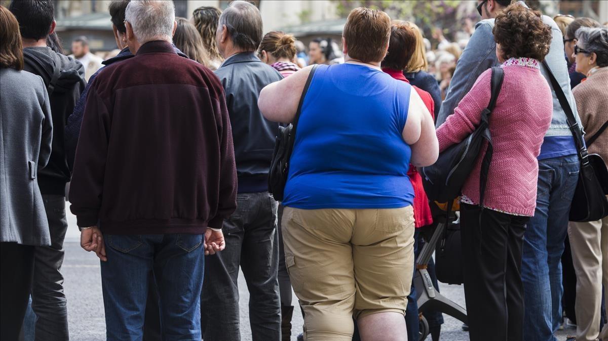 Una mujer con obesidad.