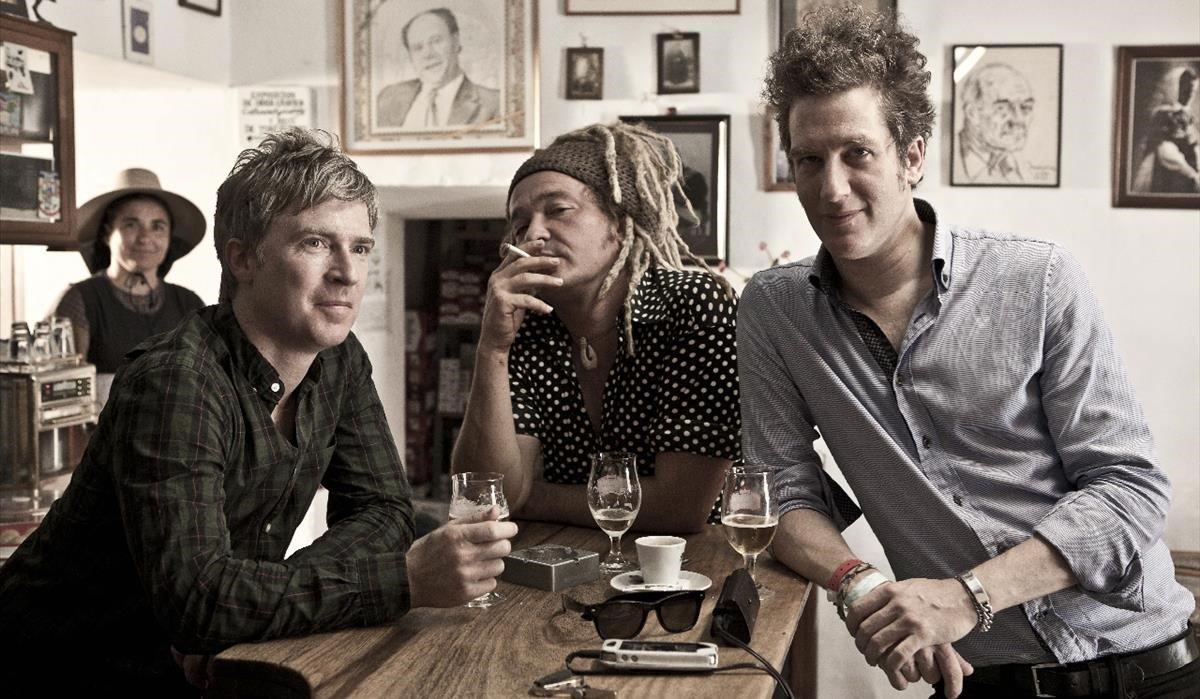 Matthew Caws, Daniel Lorca e Ira Elliot, integrantes de Nada Surf.