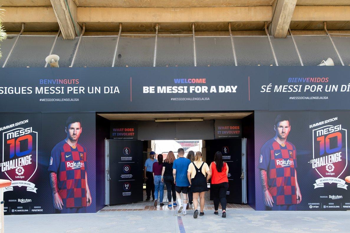 Entrada al Messi 10 Challengeen el Miniestadi.