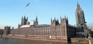 El Palacio de Westminster, sede del Parlamento británico, en Londres.