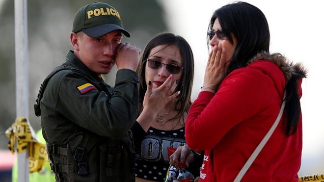 La Policía colombiana eleva a 21 la cifra de muertos en atentado en Bogotá.