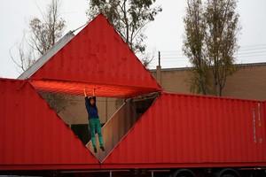 Imatge de lespectacleOrigami de lartista Furinkaï, escenificat aEsplugues de Llobregat.