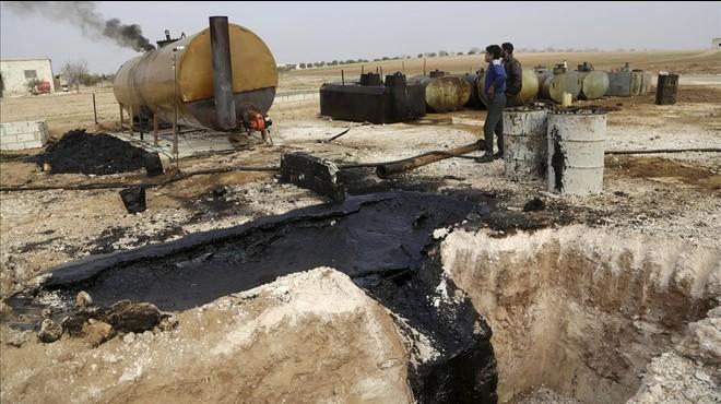 La coalición asesta varios golpes al negocio petrolero del Estado Islámico